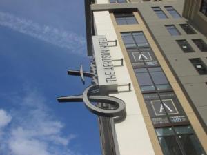 aertson-hotel-blade-sign-script-led-rope-light