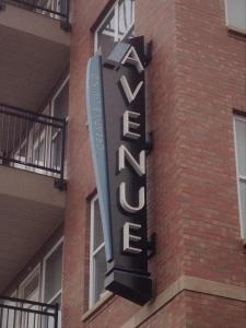 avenue-blade-sign-indy