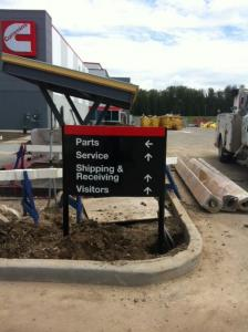 cummins-facility-directional-parking-signage