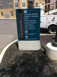 exterior-directional-signage-madmar-flats-ohio