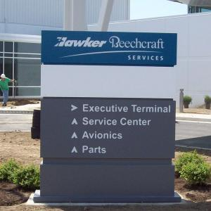 wayfinding-directional-sign-hawker-beechcraft